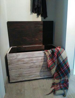 Baúl arcón de madera.