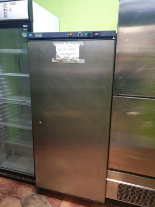 Congelador vertical industrial hostelería