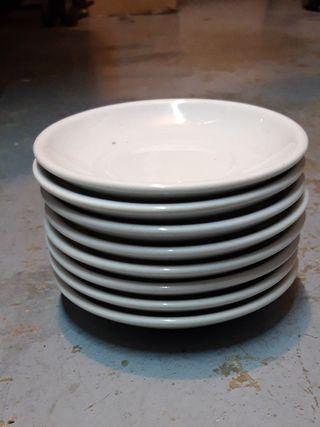 8 platos pequeños por 2 euros