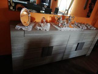 Precioso aparador en madera