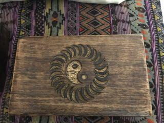 Cajita madera tallada