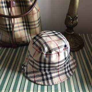 Burberry gorro reversible