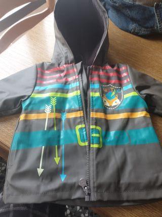 abrigo / chubasquero