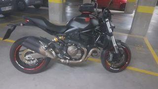 Ducati Monster 821 Dark