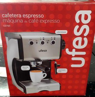 Cafetera expresso ufesa con vaporizador