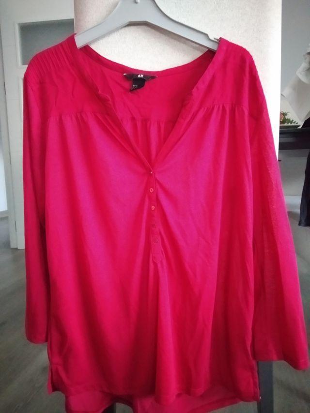 Camisa rosa oscura o fucsia
