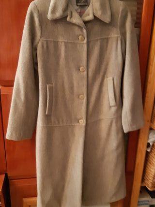 Abrigo gris de lana