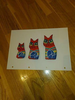 Figuras gatos madera tallada