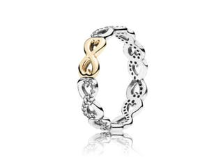 Anillo infinitos en perfecto estado, talla 10