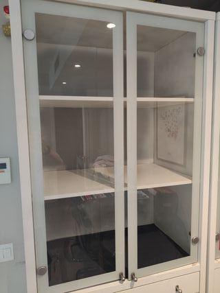 Oportunidad liquidación Mueble Vitrina Ikea