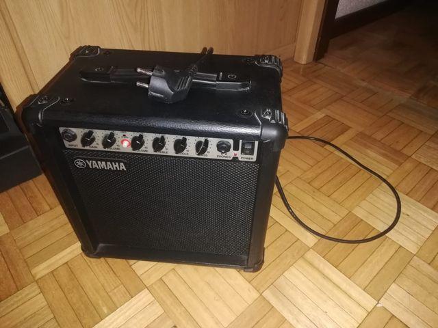 Amplificador de guitarra Yamaha