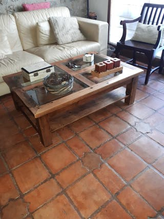 mesa centro rústica de madera y cristal