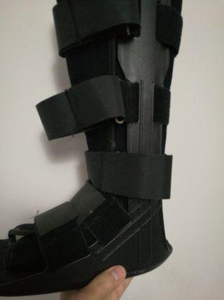 Bota Walker ortopedica.