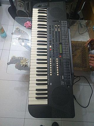 órgano marca korg