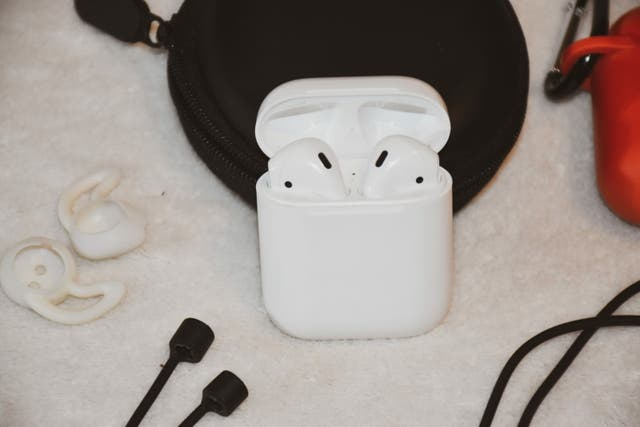 Apple Airpods 2nd Gen(Charging case) + Accessories