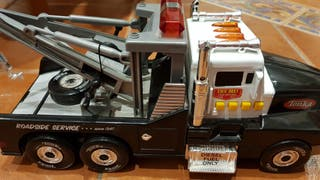 Camión grúa Tonka