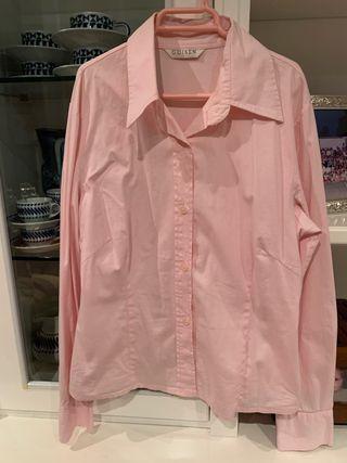 Camisa rosa entallada