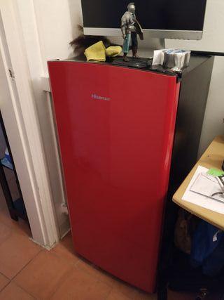 Nevera roja una puerta hisense