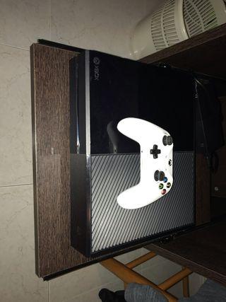 Xbox one + mando + 2 juegos