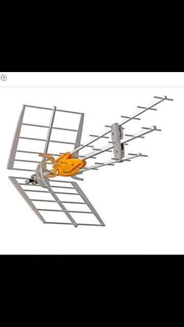 arreglo corriente de casas y antenas y contrucion