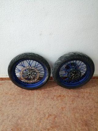 Ruedas supermotard 250cc