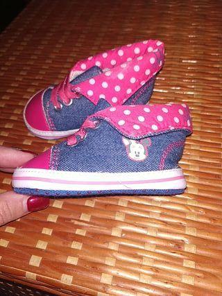 zapatillas de la Minnie