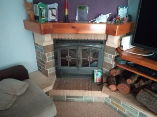 chimenea con mueble rincón