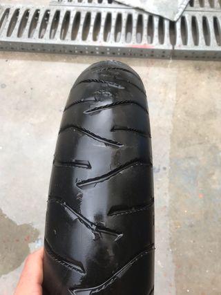 Neumático moto 120/70-19