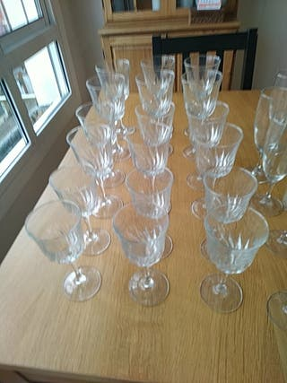 Jocs de copes de vidres