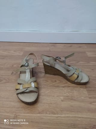 Sandalias cuña verano, talla 35.