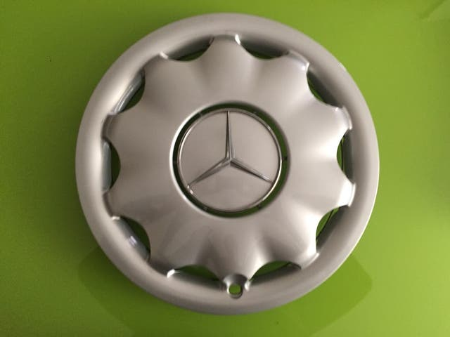"Tapacubos de Mercedes para llanta de 15"""