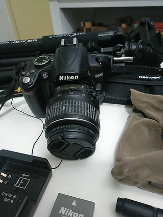 Cámara Réflex Nikon D3000 y accesorios