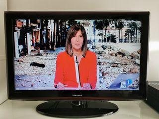 TV Samsung 4o pulgadas