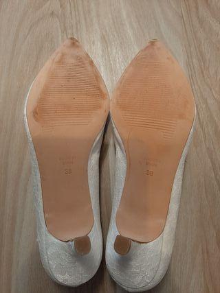 zapato novia. Firma Ángel Alarcón