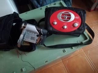 camara video JVC y radio bolso de viaje