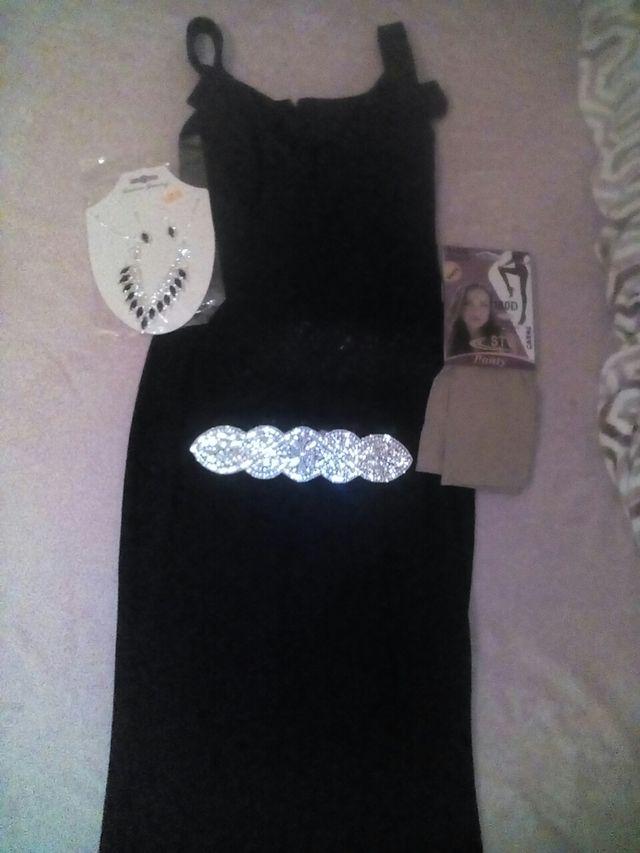vestido negro pare fiesta o bodas