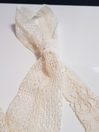 Corbata vintage blonda mujer