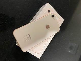 Vendo iPhone 8 de 64 gb en color rosa