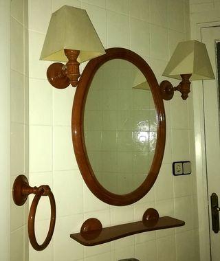 Juego de baño de madera.