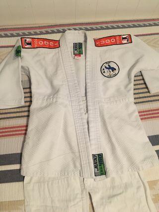 Kimono y pantalón Judo