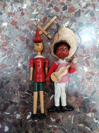 muñeco de Pinocho y marioneta