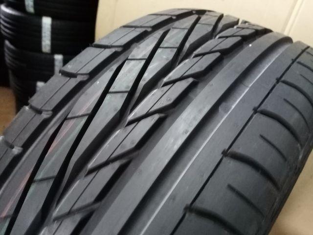 1 neumático 215/ 55 R16 93V Goodyear EXC. nuevo