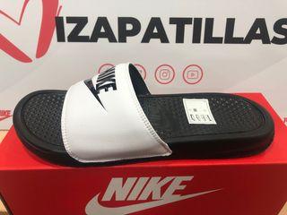 Chanclas Nike Benassi hombre