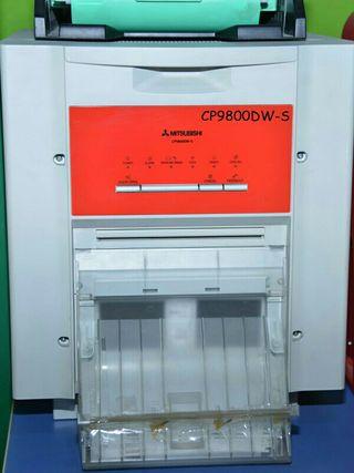 Impresora fotográfica Mitsubishi 9800