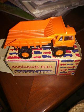 camión alemán fahrzuege caja original