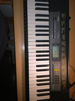 Piano Casio CTK-2500