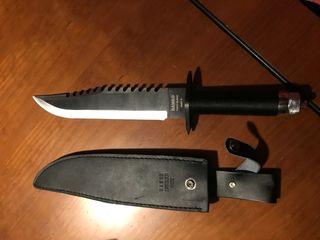 Cuchillo tactico