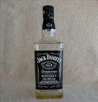 2 Botellas de Jack Daniel's vacías