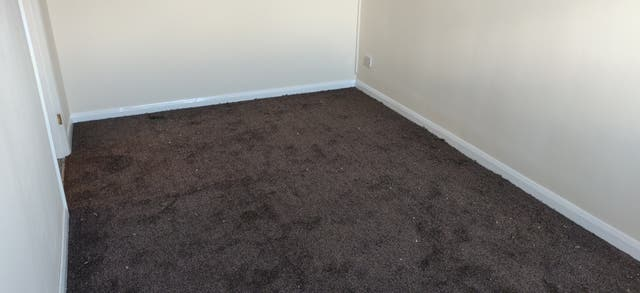 Carpet Fitter (Fitting Only)