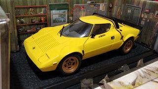 Lancia Stratos HF Bertone (Kyosho) 1:18